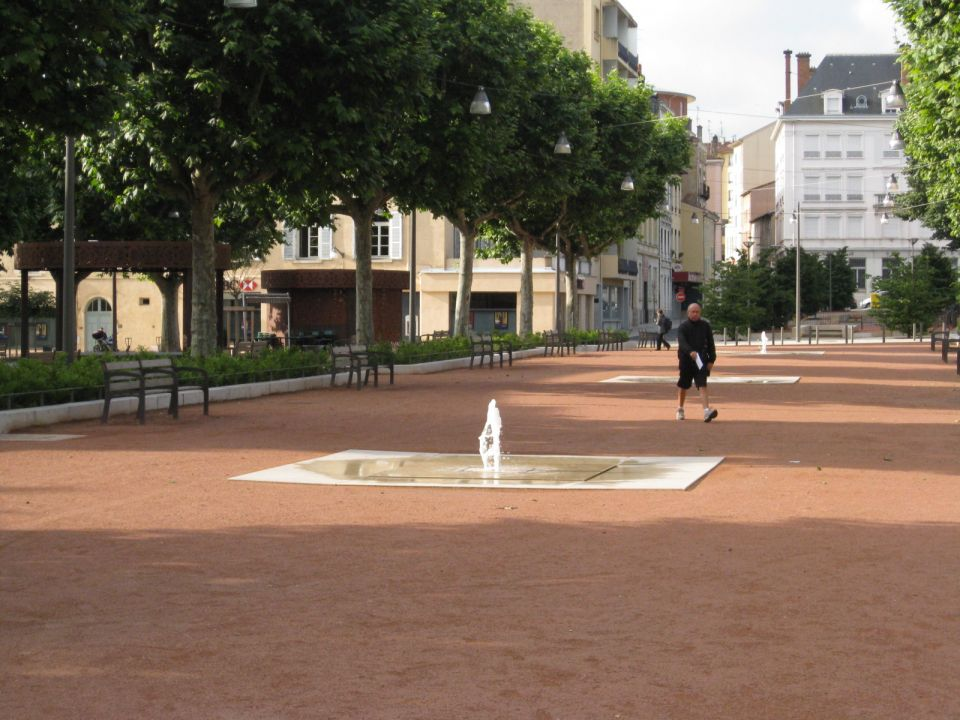 Am nagement de la place des arts bureaux d 39 tudes d - Bureau de change villefranche sur saone ...
