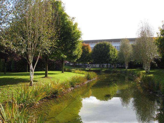 Am nagement du parc du si ge social et jardin du mus e de for Agence paysage grenoble